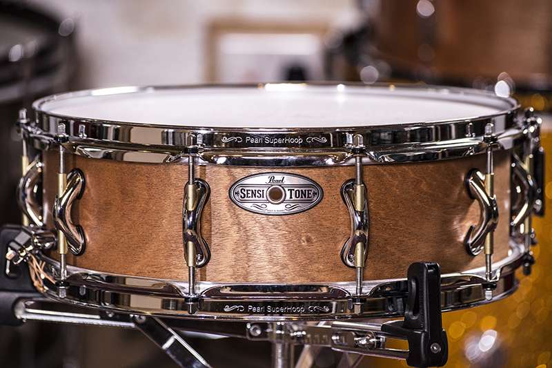 snare drum review pearl sensitone baritone snare drum drummer 39 s review. Black Bedroom Furniture Sets. Home Design Ideas