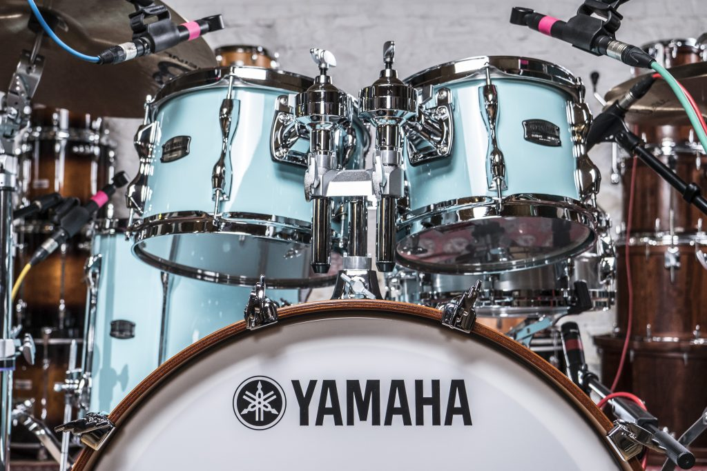 drum kit review yamaha recording custom shell pack drummer 39 s review. Black Bedroom Furniture Sets. Home Design Ideas