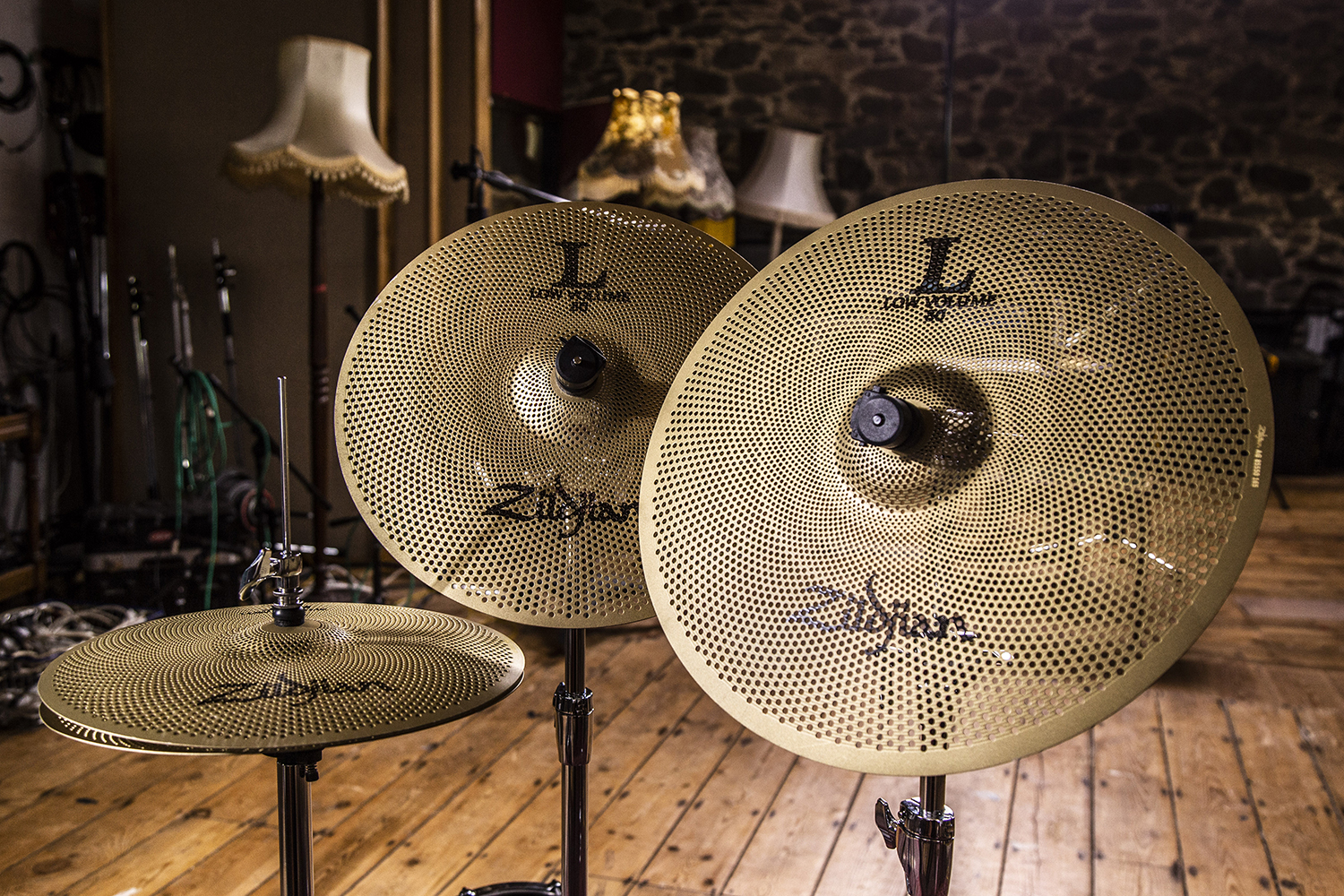 remo silentstroke drumheads zildjian l80 low volume cymbals drummer 39 s review drummer 39 s review. Black Bedroom Furniture Sets. Home Design Ideas